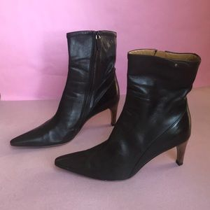 Dark brown Gucci leather booties